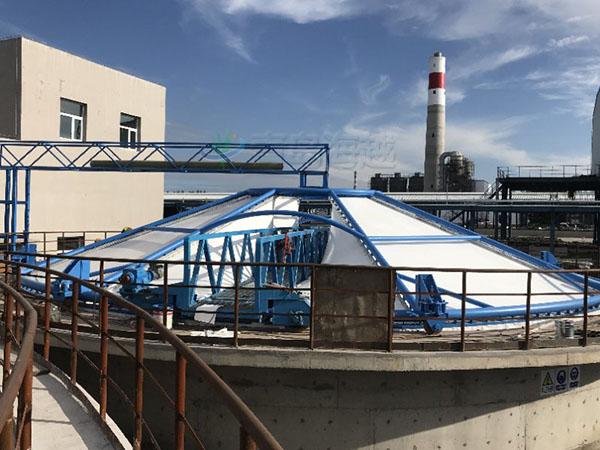 黑龙江省绥化市海伦随动式反吊膜污水池除臭工程案例图片